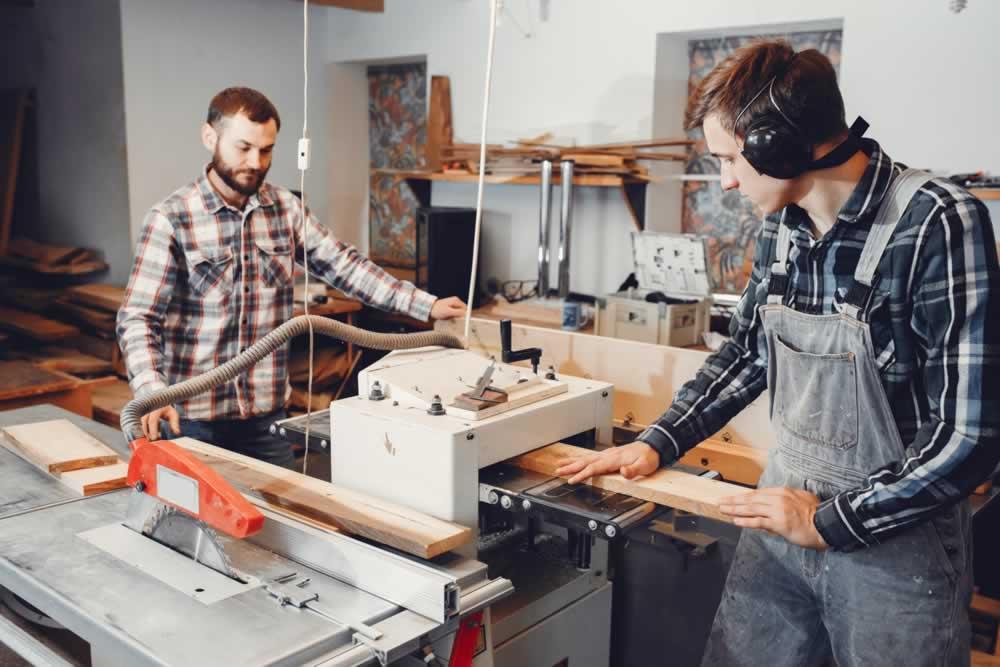 A inovação chegou a todos os lugares, inclusive nas marcenarias. Aprenda aplicar a tecnologia isso no seu negócio e aumentar sua produção e faturamento.